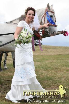 Олеся Теліженко,  весільні сукні