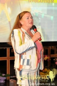 Мама Антона Мухарського Валентина Андріївна