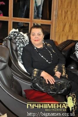 мама Ольги та Наталії Сумських - Ганна Іванівна