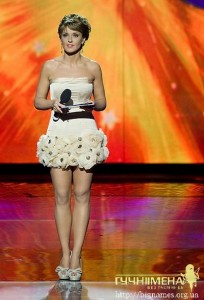 "Обличчя ""Україна має талант"" Оксана Марченко парадувала у 5 сукнях на шоу"